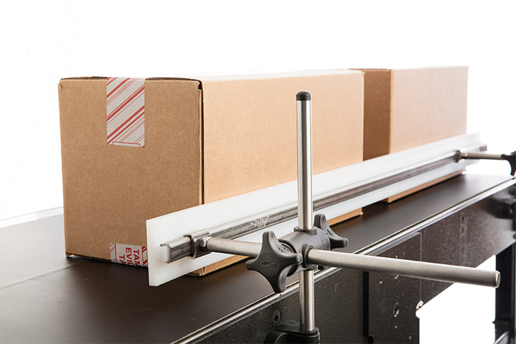 Eastey Conveyor guide rail for box or primary product guidance